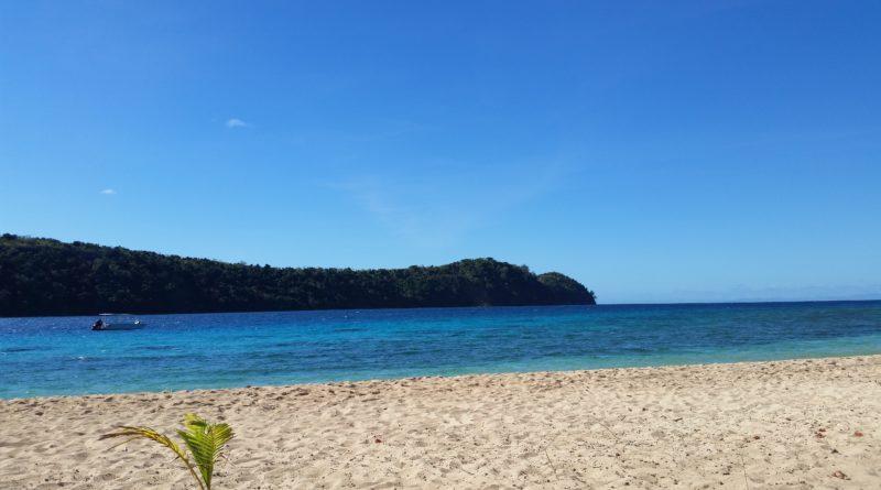 Dagar på Paradise Cove -Naukacuvu Island