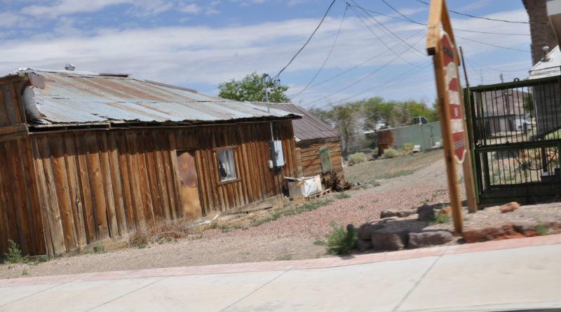 Lång roadtrip genom Nevadaöknen