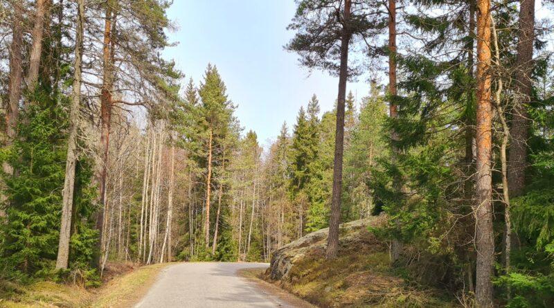 Stockholms läns krokigaste väg och Wira Bruk