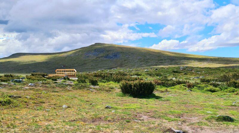 Grövelsjöns fjällstation och vandring till Storvätteshogna